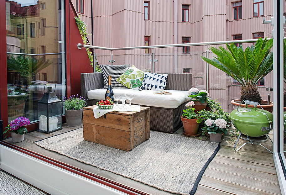 Terrace Plants Of Urban Residence With Charming Terrace