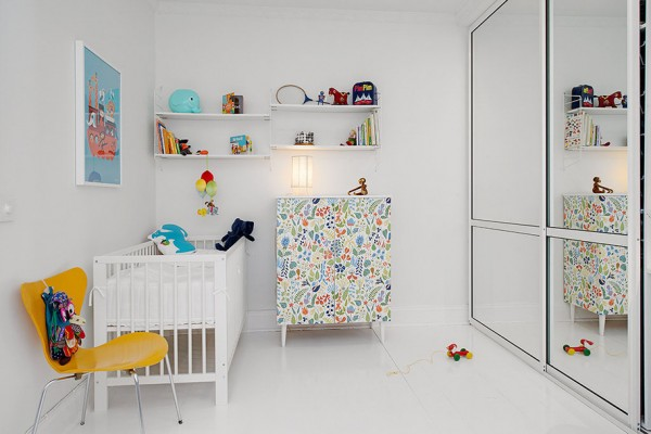 l Urban Apartment with Terrrace- white canvas with bright accessories mirrored nursery