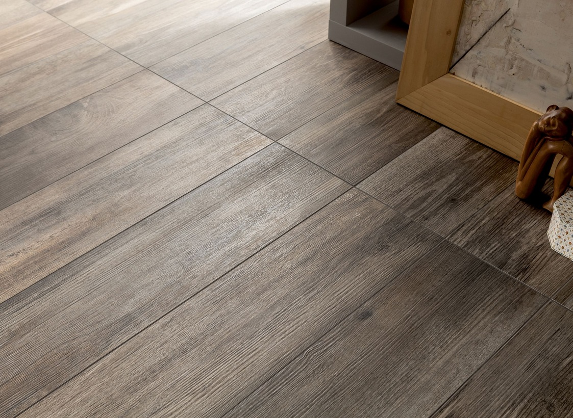Wood look tiles - Suelo imitacion parquet ...