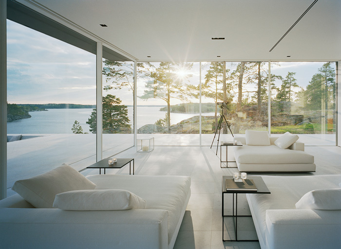 Modern Lake House by John Robert Nilsson