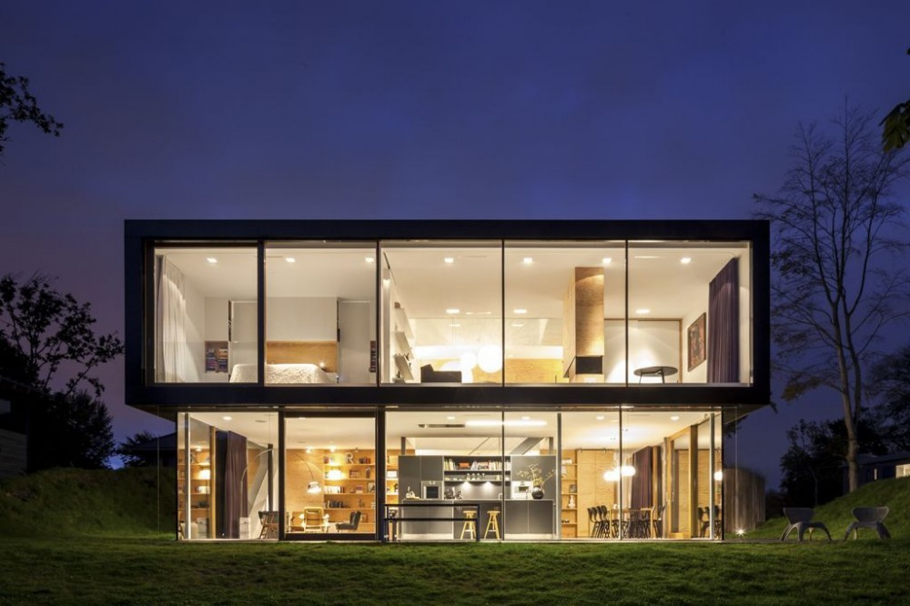 Villa v by paul de ruiter architects for Modern home exterior