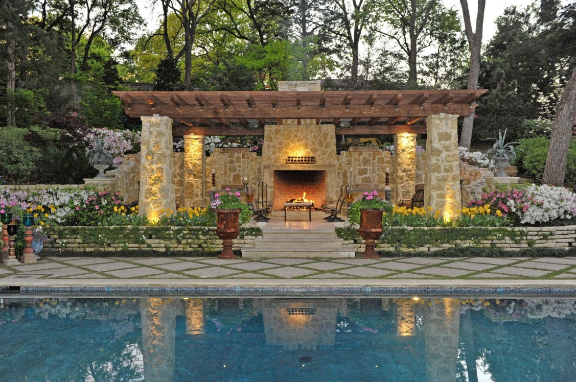 Outdoor living spaces by harold leidner for Pool with garden