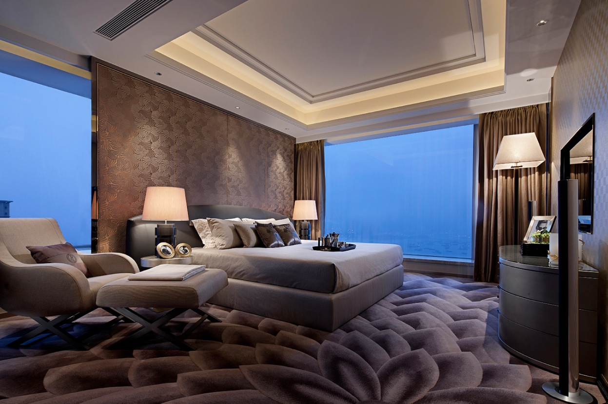 Synergistic modern spaces by steve leung for Big master bedroom design