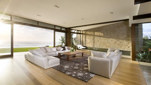 Project Albatross: A House Near The Beach By BGD Architects
