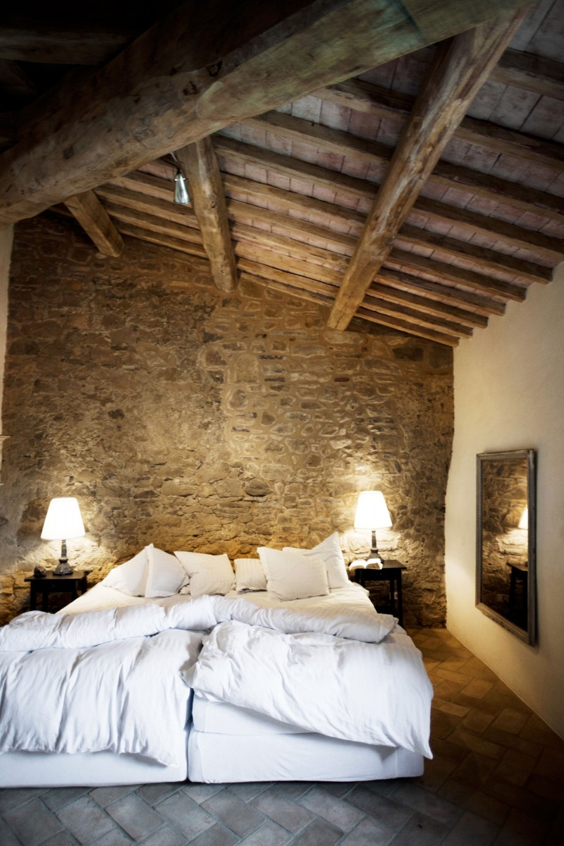 Casa bramasole yet another stunning umbrian villa for Cozy bedroom ideas photos