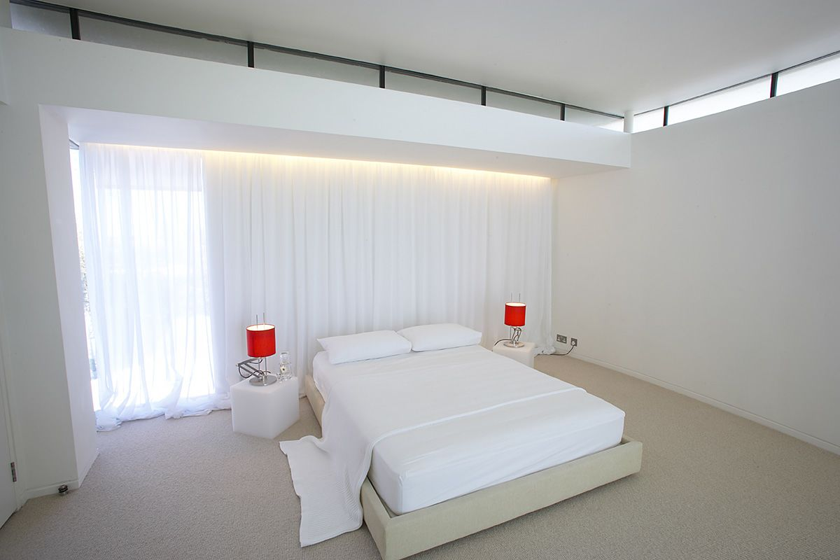 Minimalist tower home master bedroom 1 interior design for Minimalist single bedroom