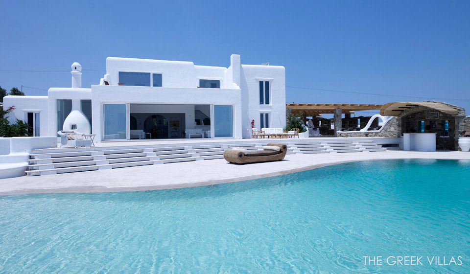 Douglas villa a classic greek retreat for Home piscine