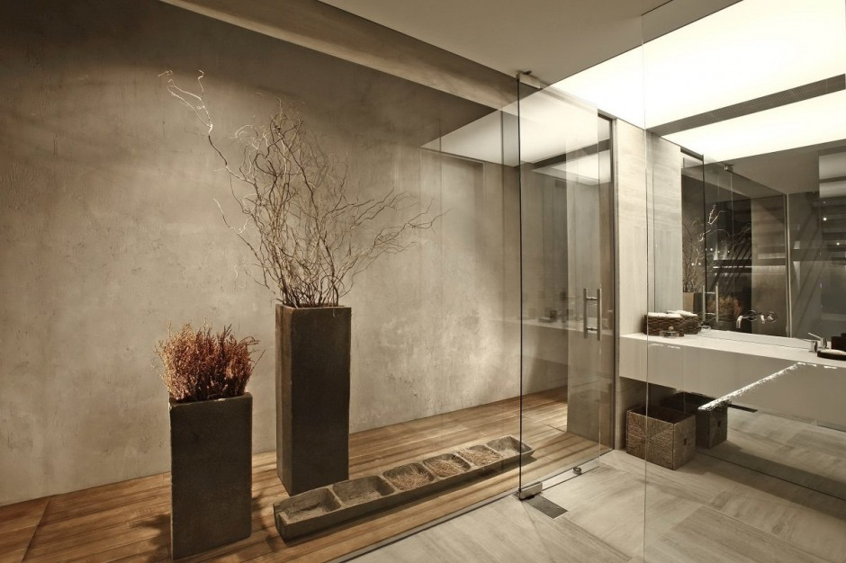 Glass Bathroom - Bold cosmopolitan house in istanbul