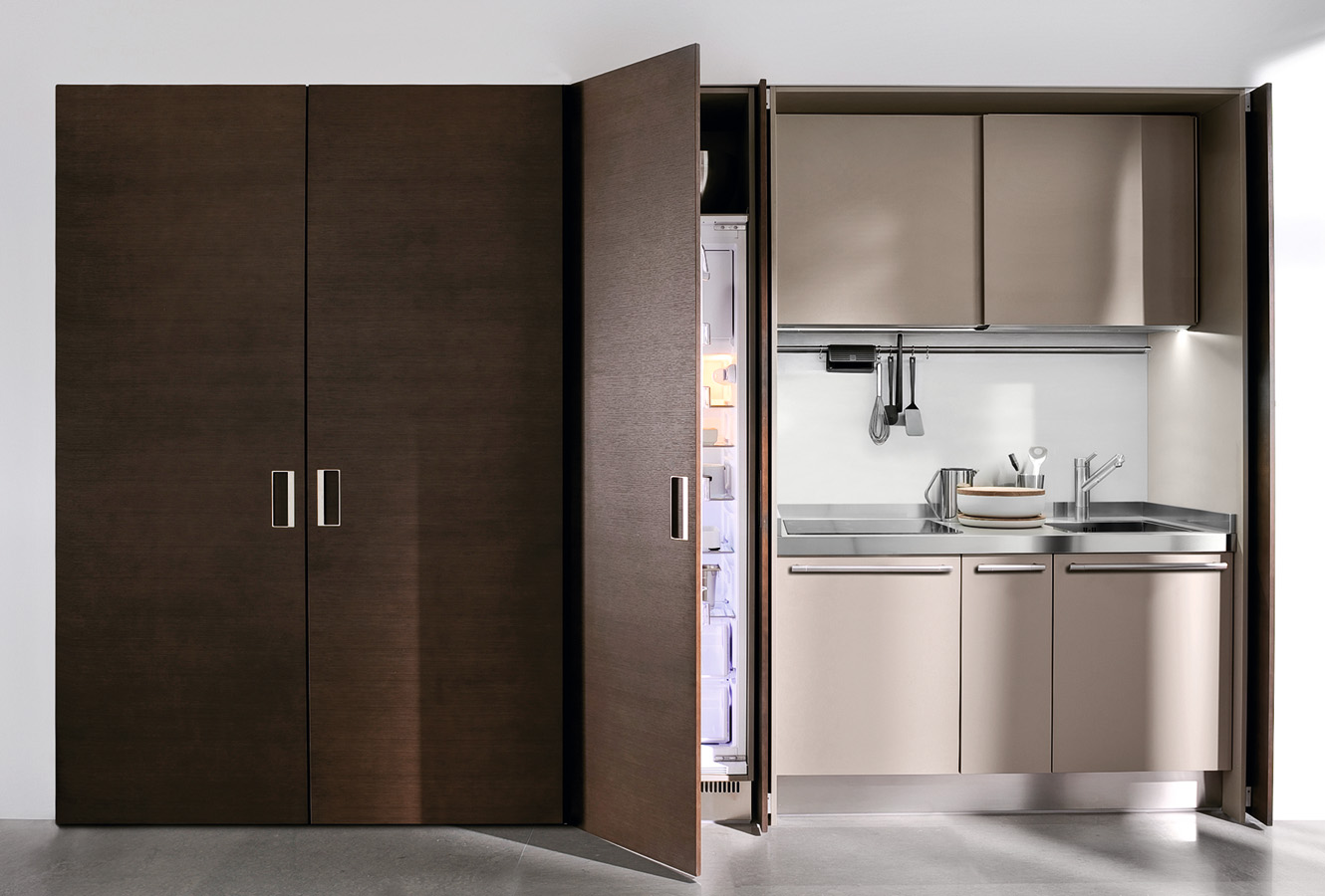 Hidden Refridegrator - Modern italian kitchen design from arclinea