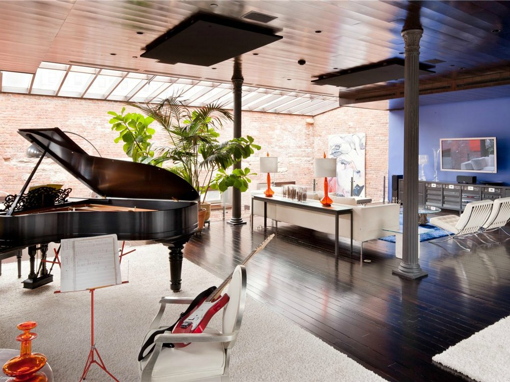 Loft mansion music room living room interior design ideas for Exclusive house music