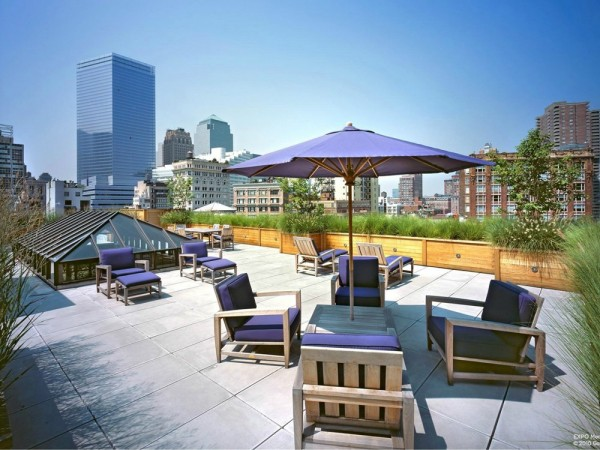Rooftop patio with a 360 view of the Manhattan skyline.