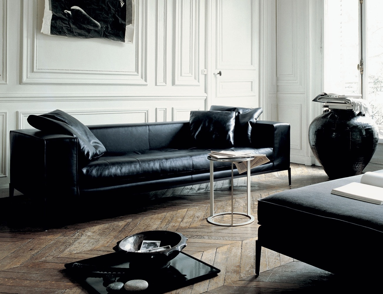 Long black leather sofa interior design ideas Black sofa decor