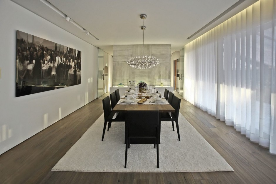 Long View Dining Room - Bold cosmopolitan house in istanbul