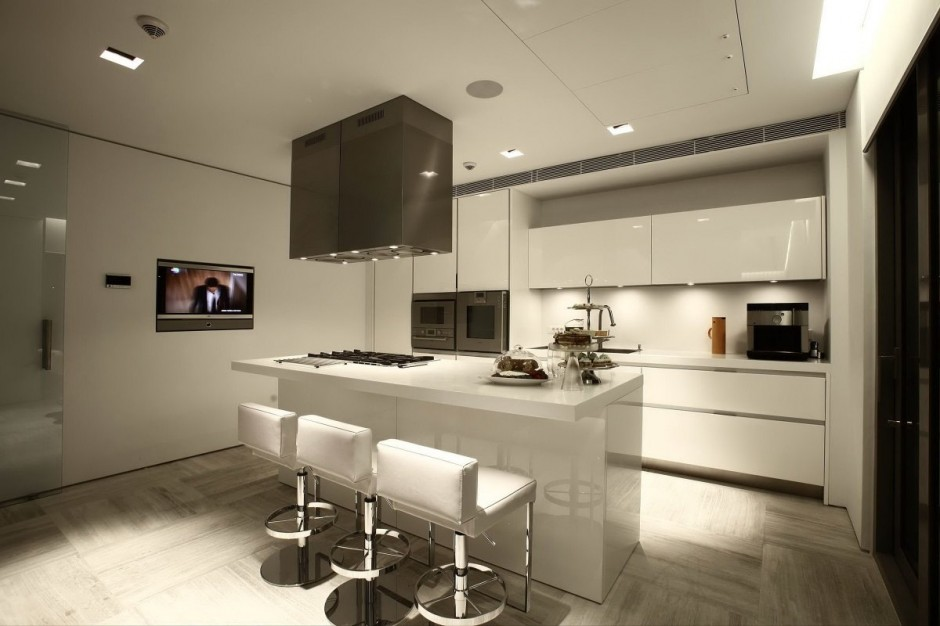 Modern White Kitchen - Bold cosmopolitan house in istanbul