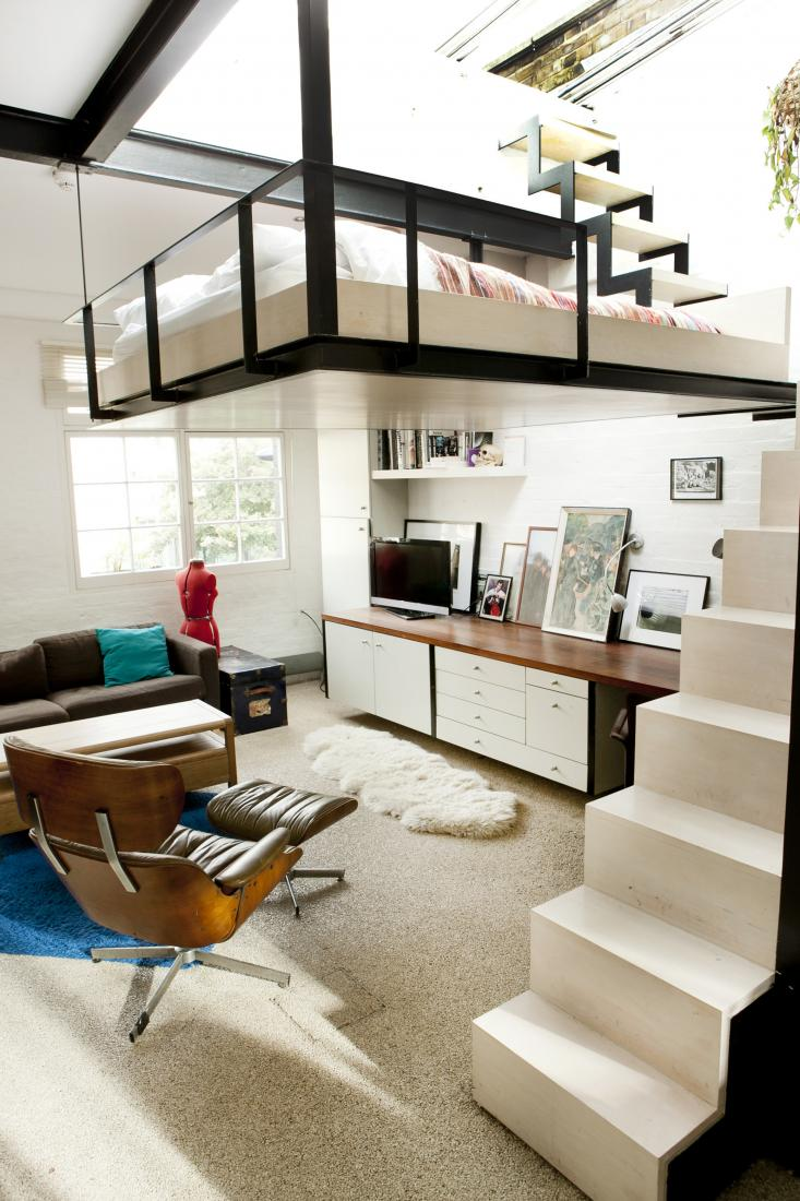 Saving space with a suspended bedroom for Designing a living room space