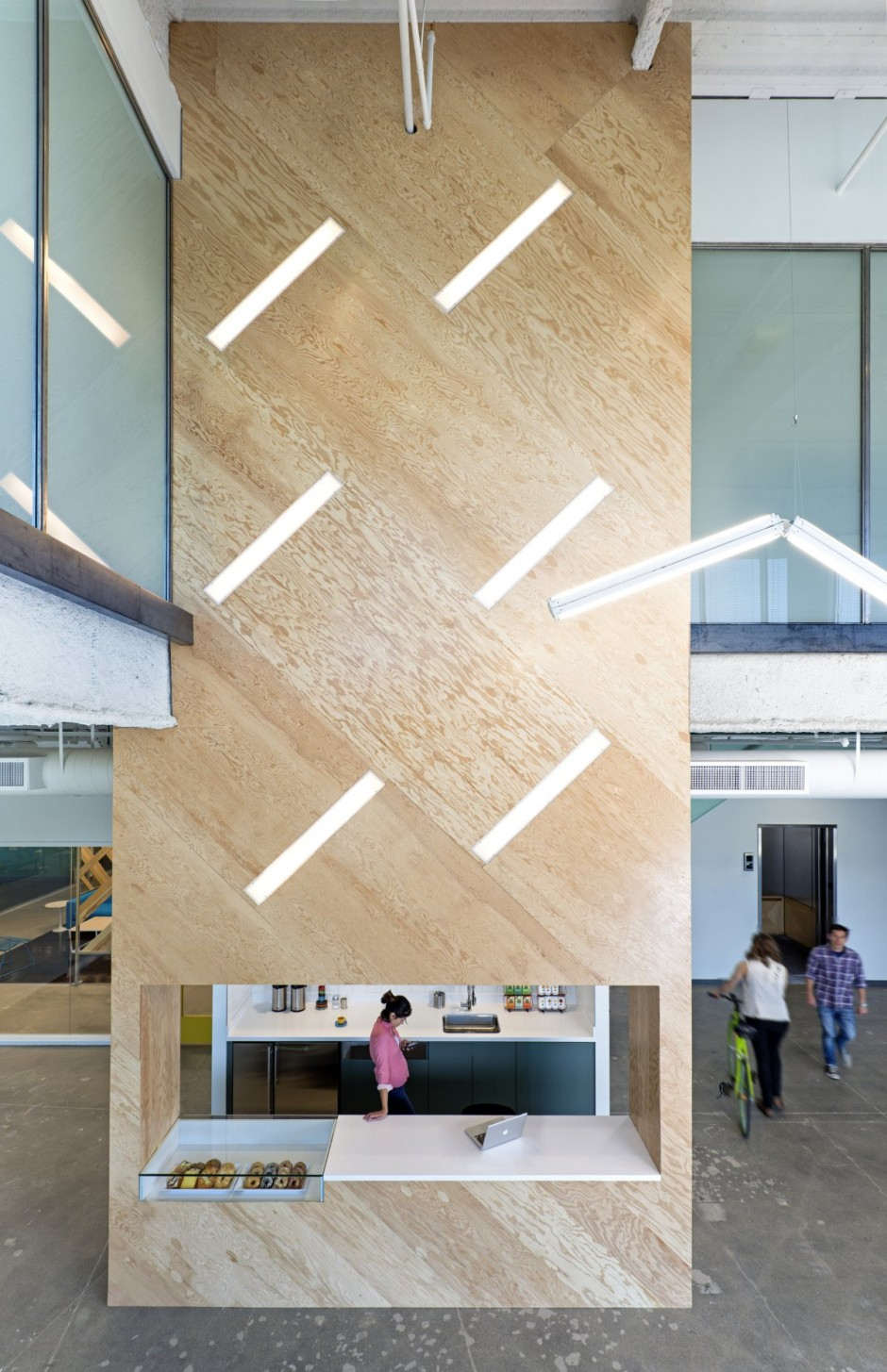 Wooden Wall Detail - Evernote office interiors