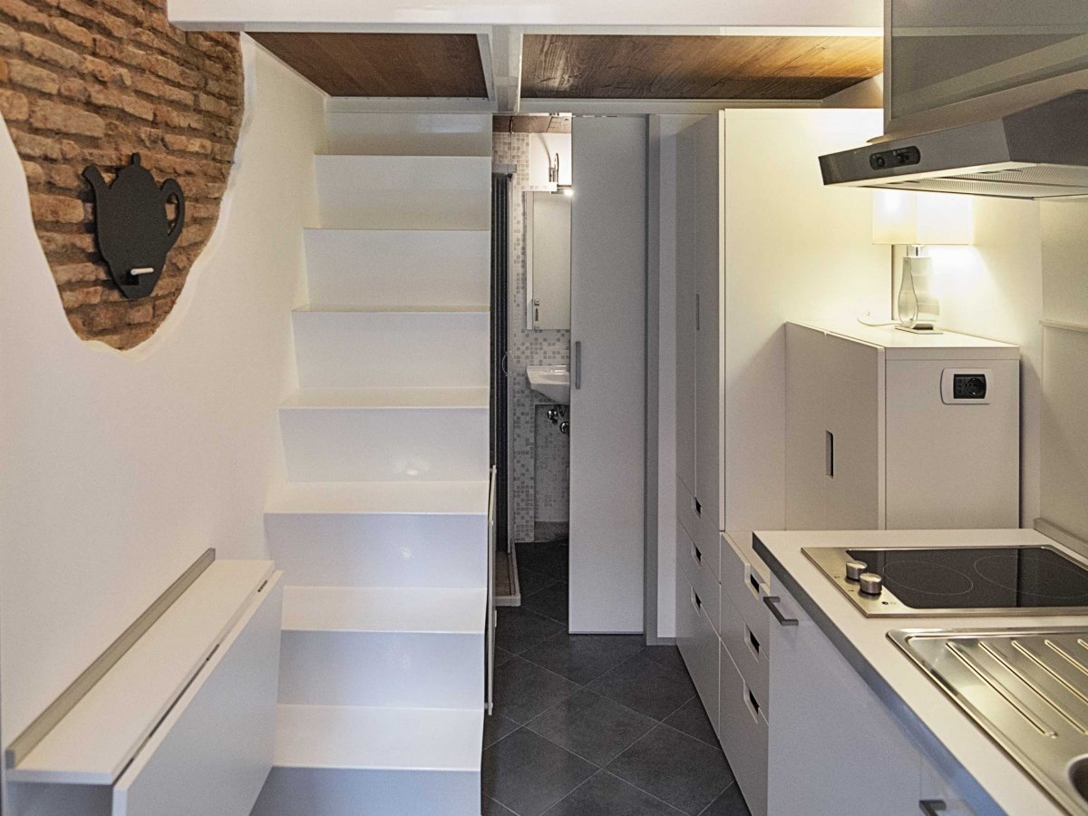 The smallest house in italy for Apartment design italien
