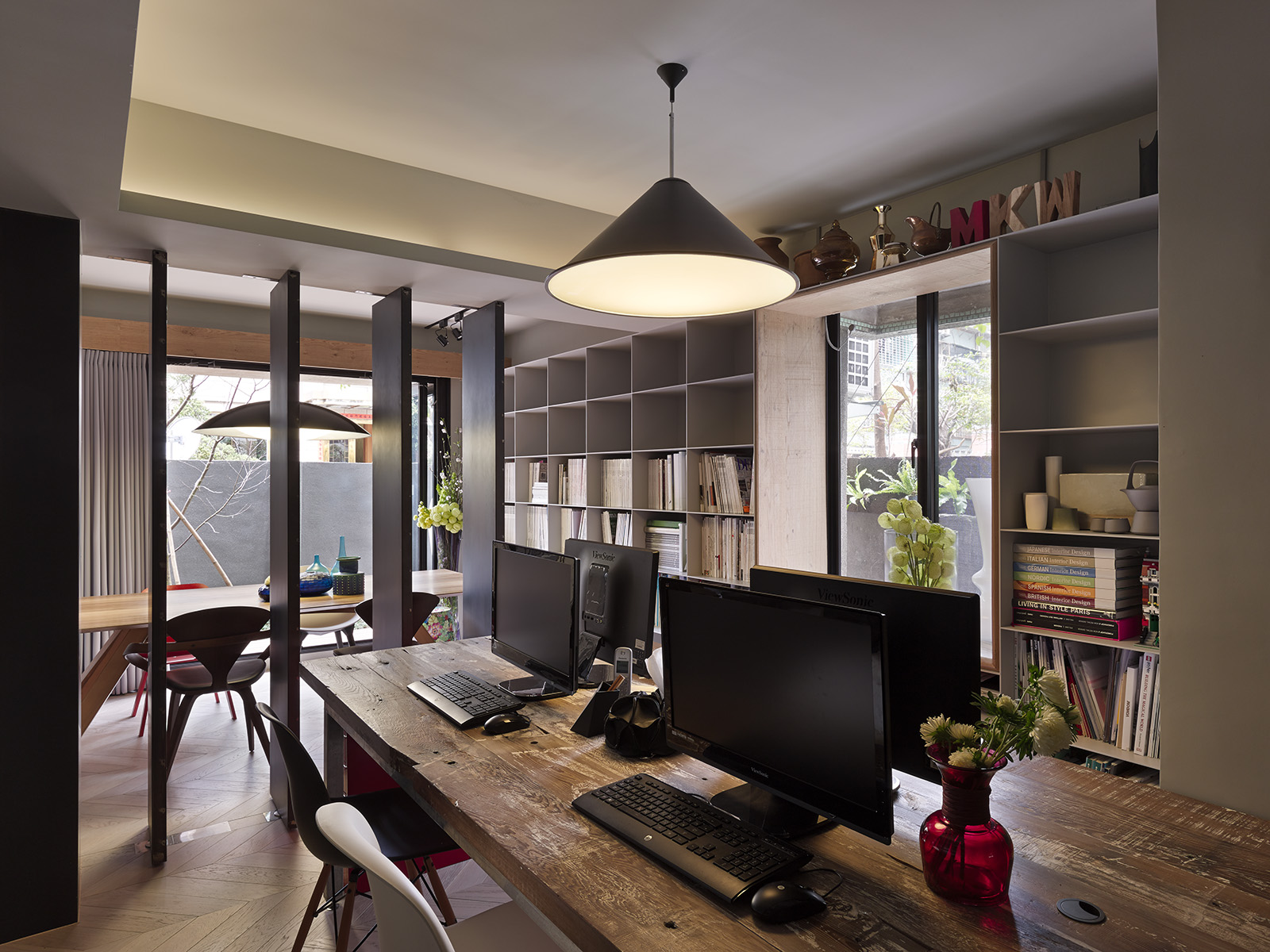 A small house divided for Interior design for office space