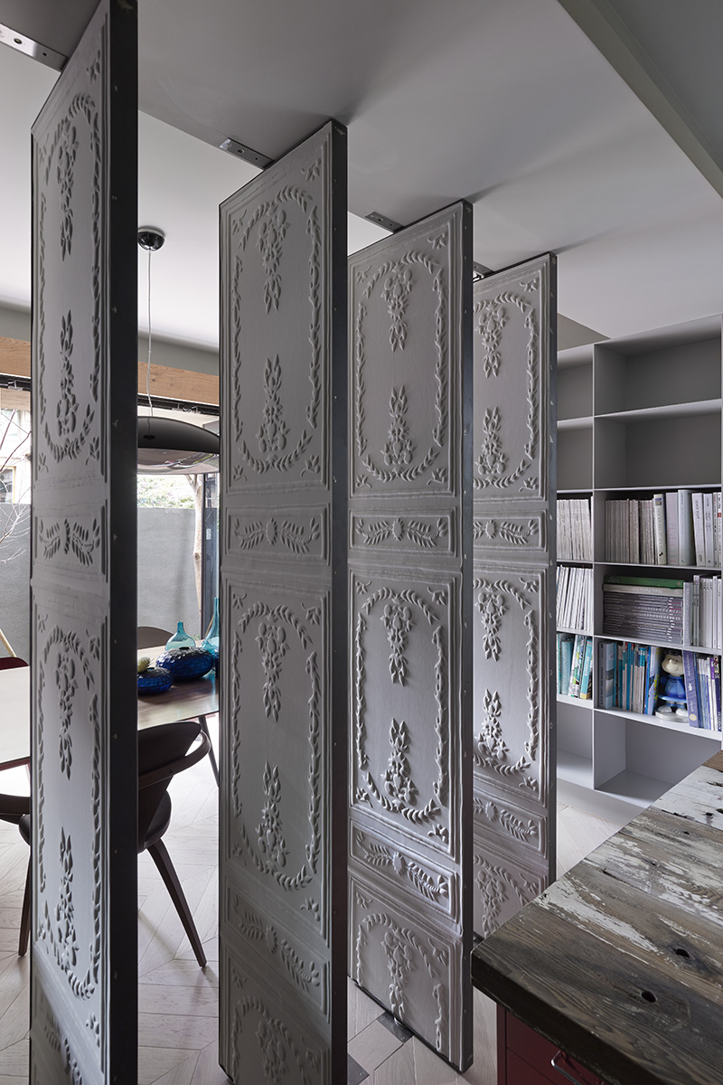 Embossed room dividers interior design ideas Room divider wall ideas