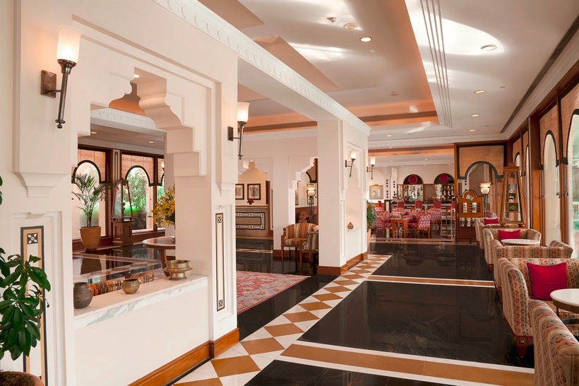 Indian hotel lobby interior design ideas for Villa lobby interior design