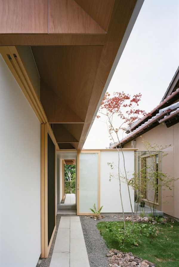 Japanese minimalist home design for Minimalist house with courtyard