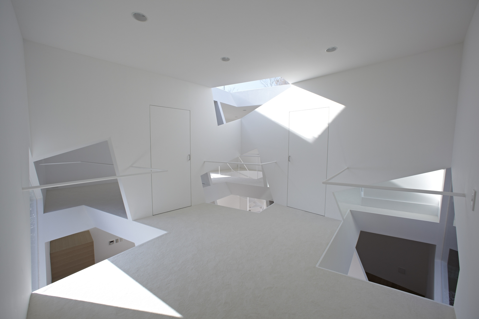Landing With Skylights - Minimalist home in the mountains