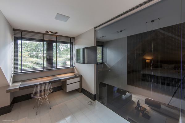 Ultramodern sleek house with sharp lines for Kitchen office nook