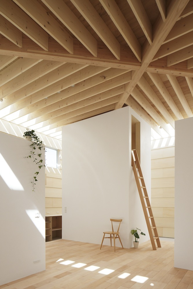 Japanese minimalist home design for Ceiling lamp wood