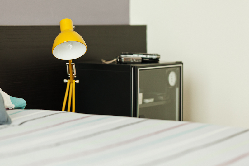 yellow bedside lamp. yellow bedside lamp   Interior Design Ideas
