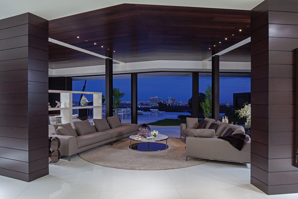 Luxury Living Room - A spectacular beverly hills house