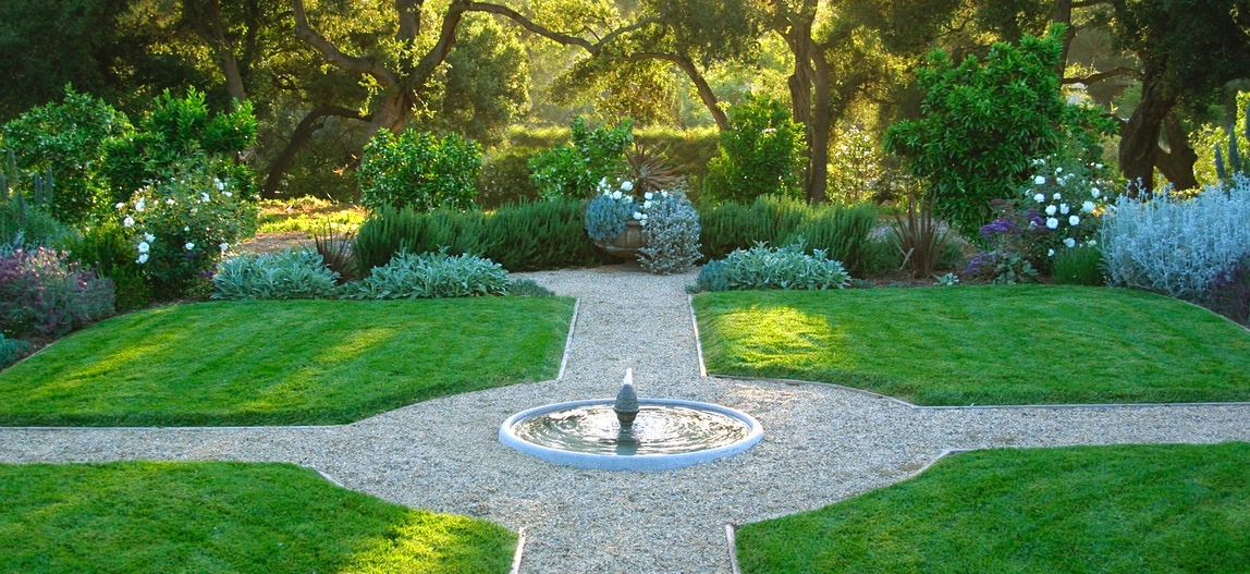 Formal Garden Layout Interior Design Ideas