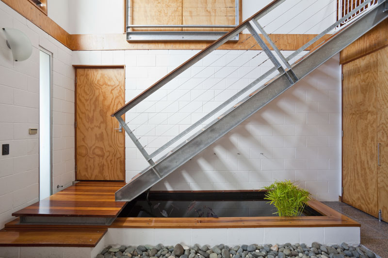 Metal Staircase - A visual feast of sleek home design