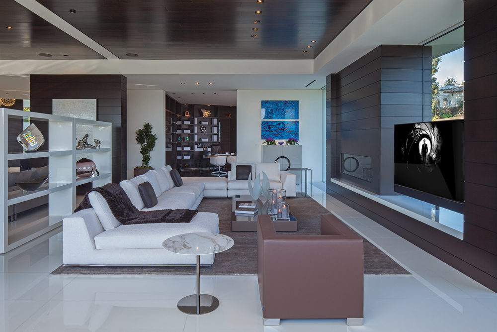 White Lounge - A spectacular beverly hills house