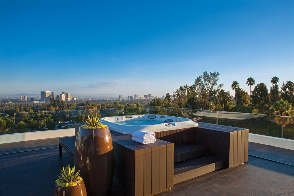 Hot Tub - A spectacular beverly hills house