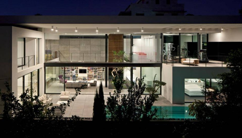 Contemporary Bauhaus Style Home In Haifa