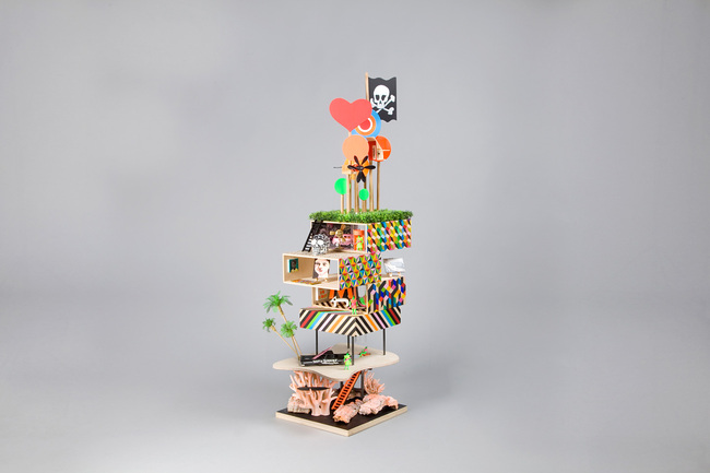 Funky Pirate Dollhouse - Dollhouses designed by star architects