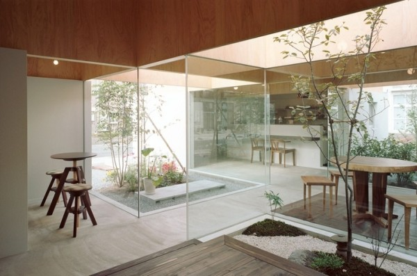 Sliding glass doors don't give a lot of privacy, but they do give a lot of contemporary elegance.