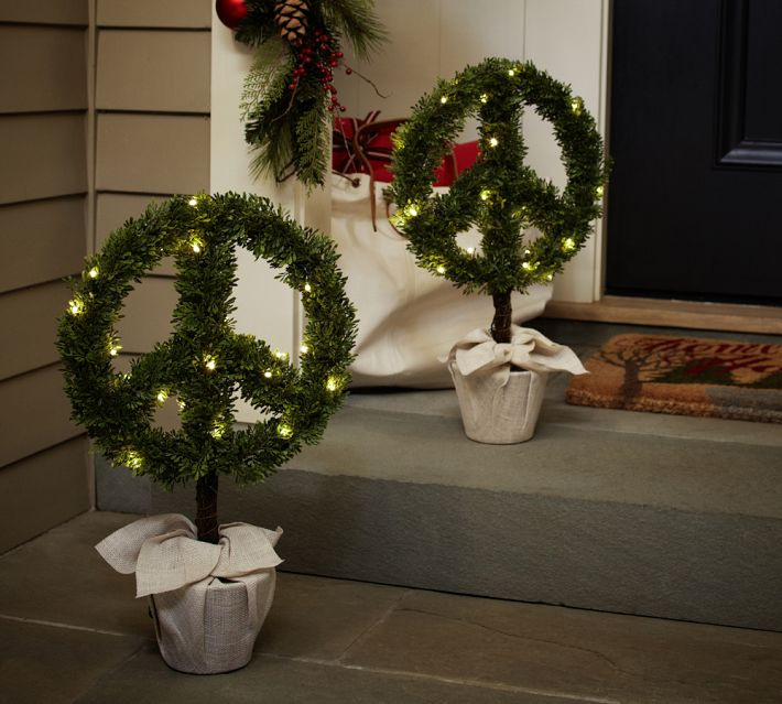 Peace Wreaths - Outdoor christmas decoration