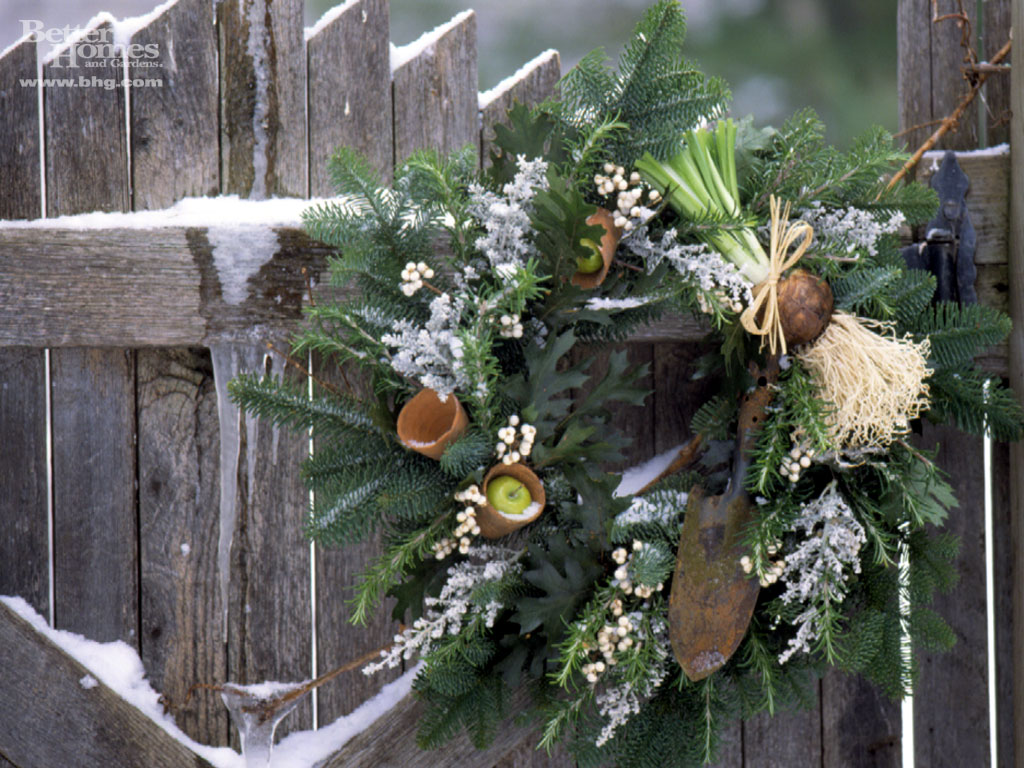 Mistletoe Wreath - Outdoor christmas decoration
