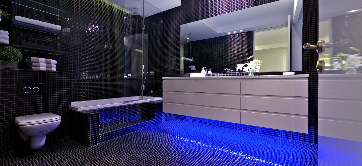 The stunning sky penthouse in israel for Blue and black bathroom ideas