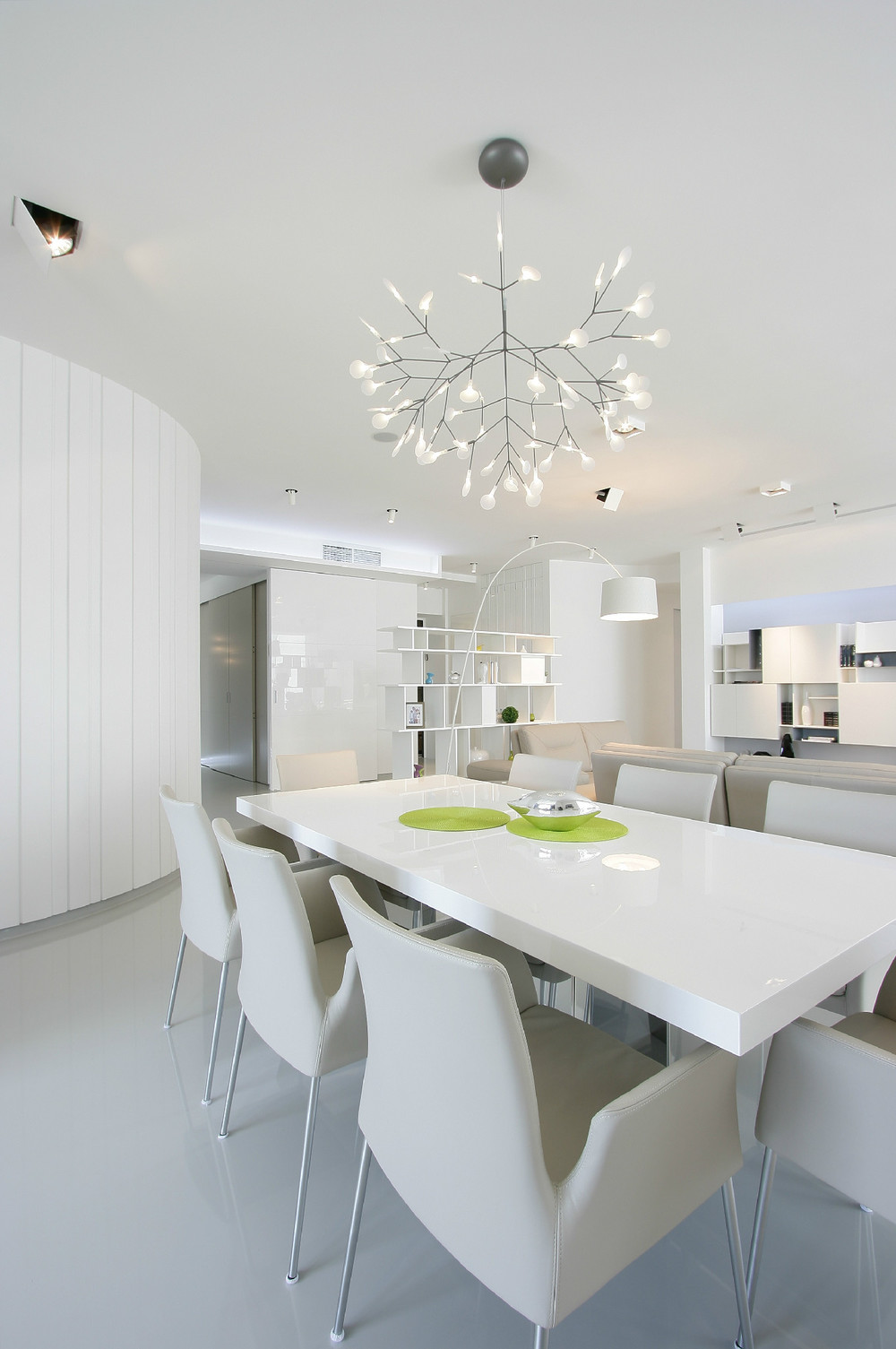 Gloss White Dining Table - Glowing interior designs