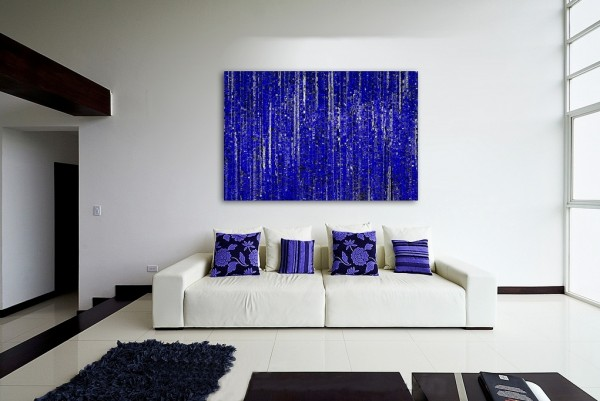 We love the hit of vibrancy created by the matching indigo art and scatter cushions in this example, the pop is very unexpected in a stark white room.
