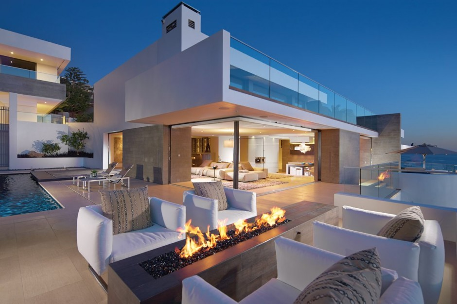 Outdoor Fireplace - Oceanfront house with pool california