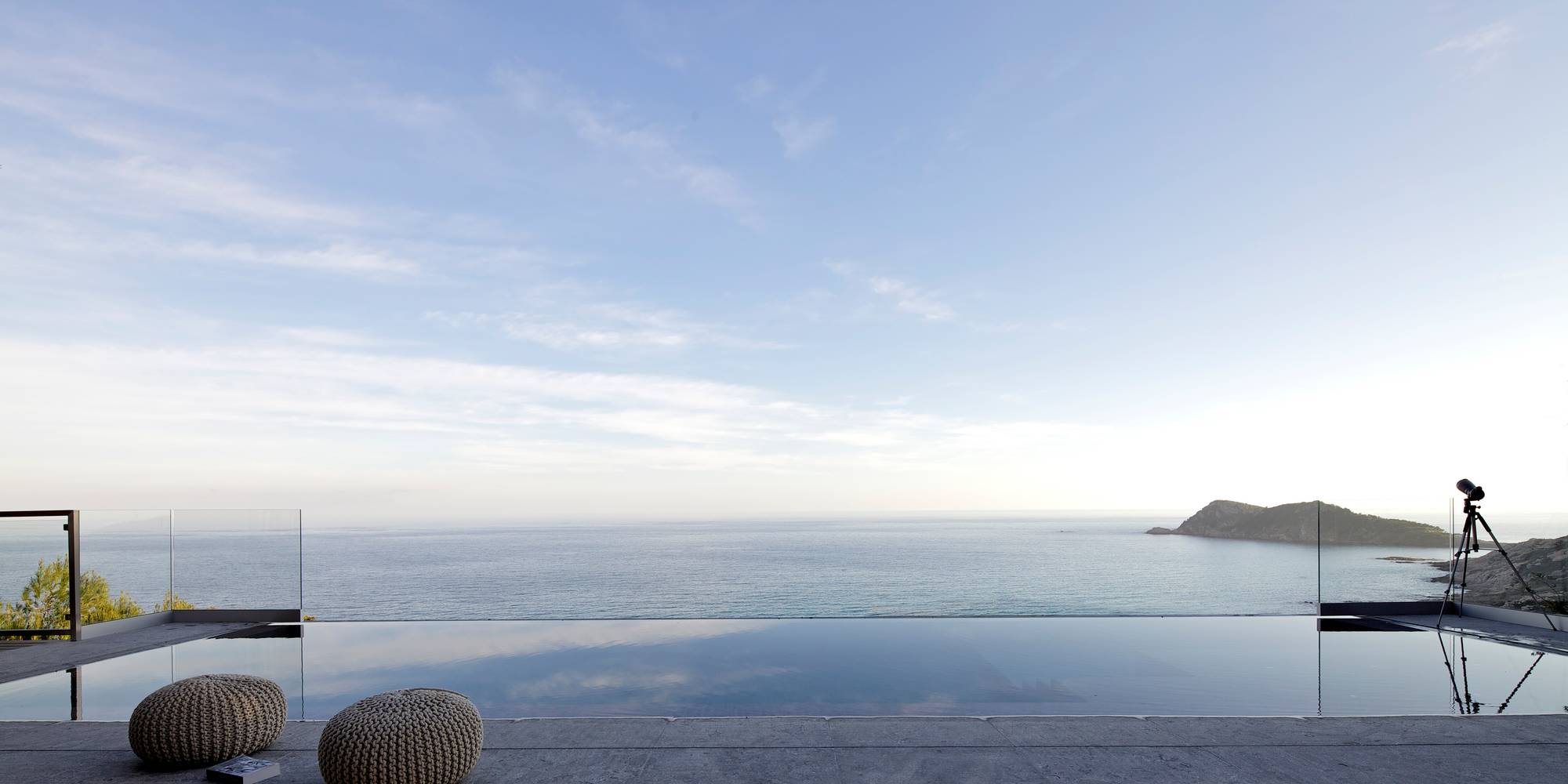 Infinity pool interior design ideas for Modern view decking