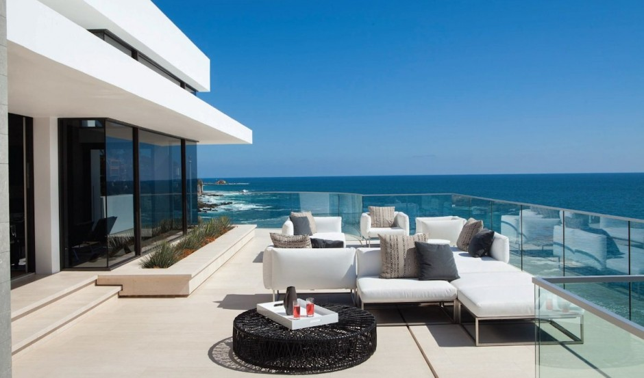Outdoor Furniture - Oceanfront house with pool california