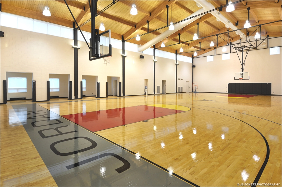 Michael jordan 39 s 16 million house for Basketball court at home