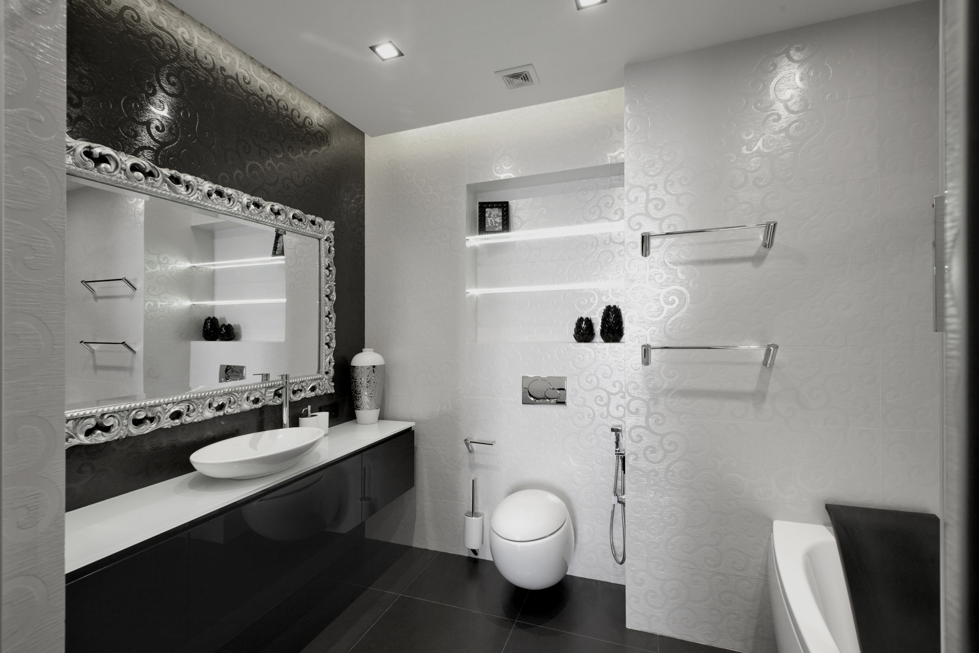 Black and white bathroom walls - Black And White Bathroom Ideas Tiled
