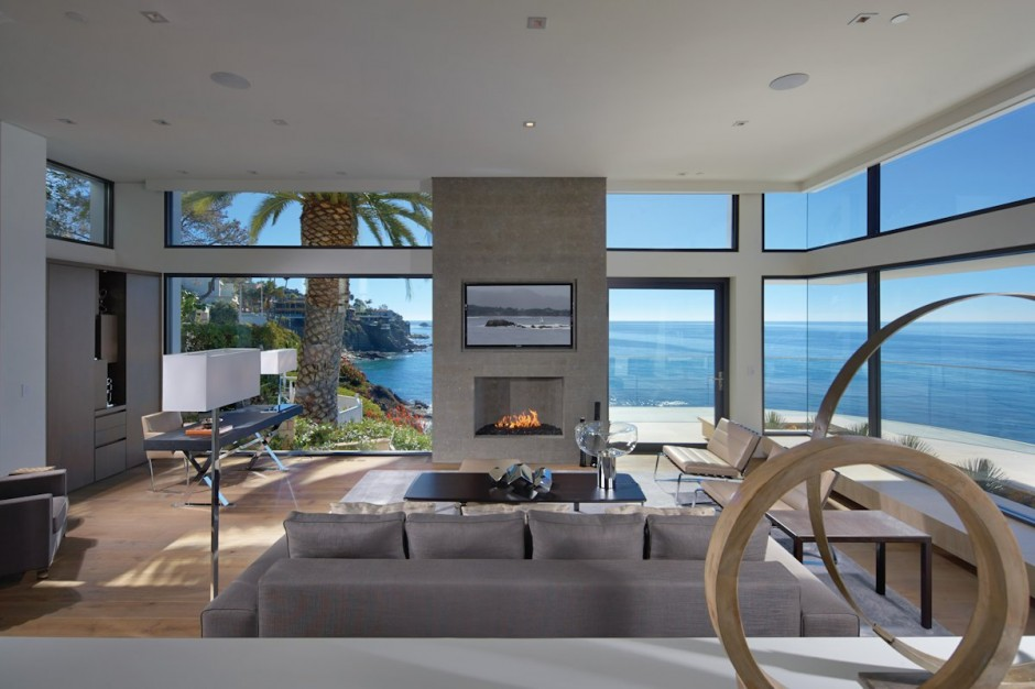 Oceanfront house with pool california for Minimalist house california