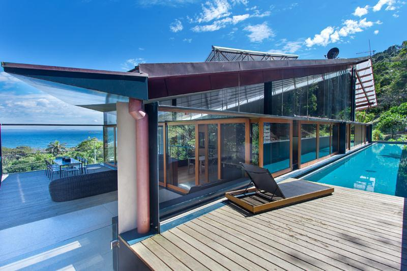 The wing house australia for Sundecks designs
