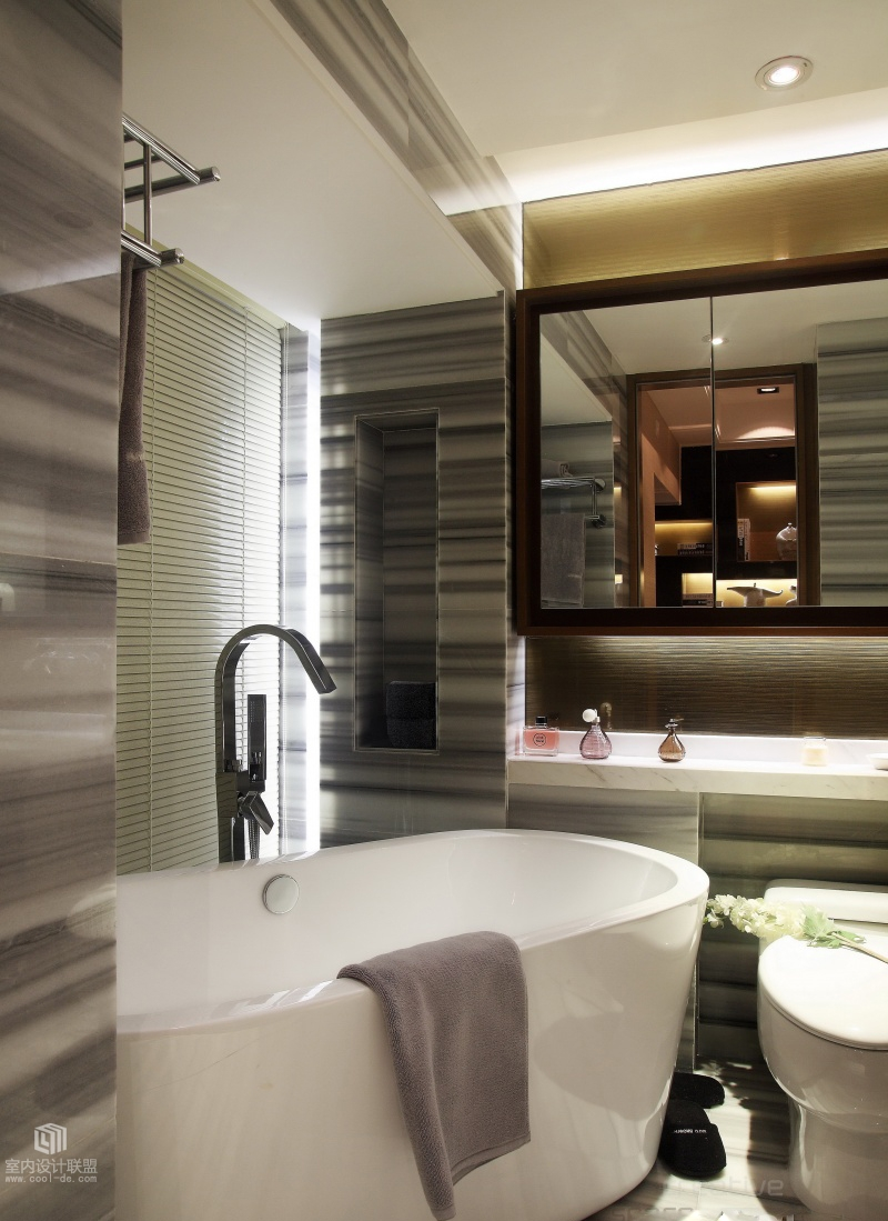 Sophisticated home with asian tone for Master suite bathroom